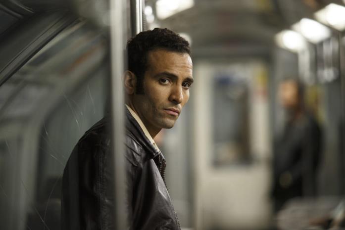Marwan Kenzari in una scena del film L'angelo