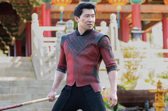 Simu Liu in una scena del film Shang-Chi e la leggenda dei Dieci Anelli