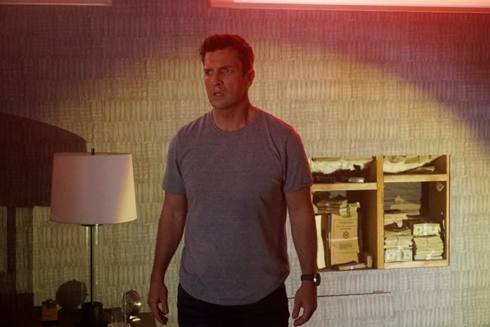 Nathan Fillion è John Nolan nel finale della seconda stagione di The Rookie