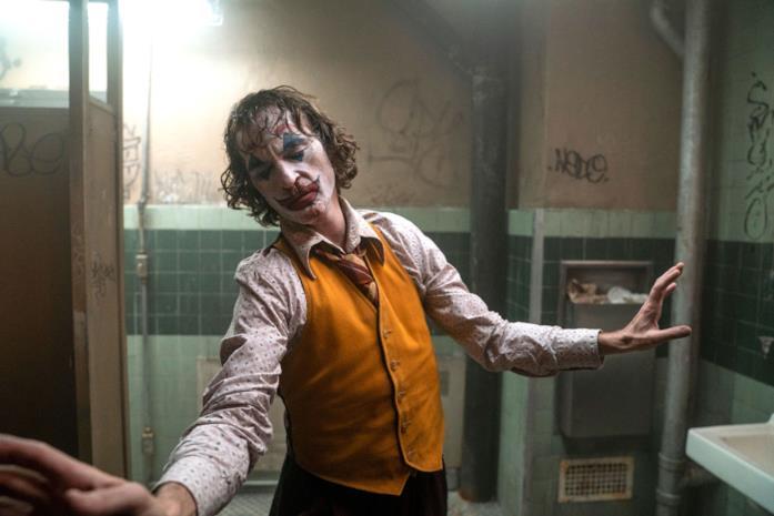 Joaquin Phoenix nei panni di Arthur Fleck