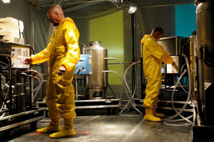 Jesse e Walt nel laboratorio, con tuta gialla