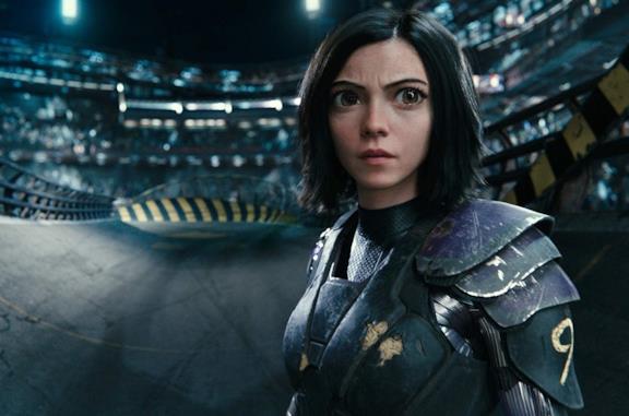 Rosa Salazar in una scena del film Alita - Angelo della battaglia