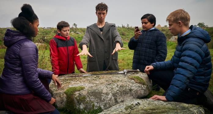 Alexander e i sui amici pronti all'addestramento con Merlino