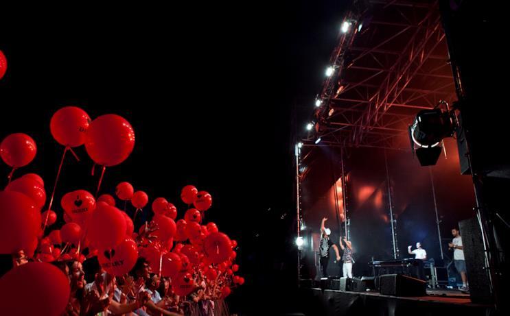 Palloncini rossi per omaggiare l'uscita di IT: Capitolo 2