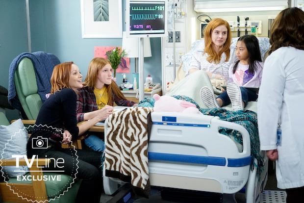 Una scena di Grey's Anatomy 16 con Suzanne che parla con la Bailey