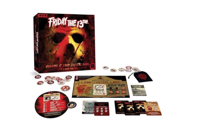 La scatola del gioco da tavolo ispirato alla saga su Jason Voorhees