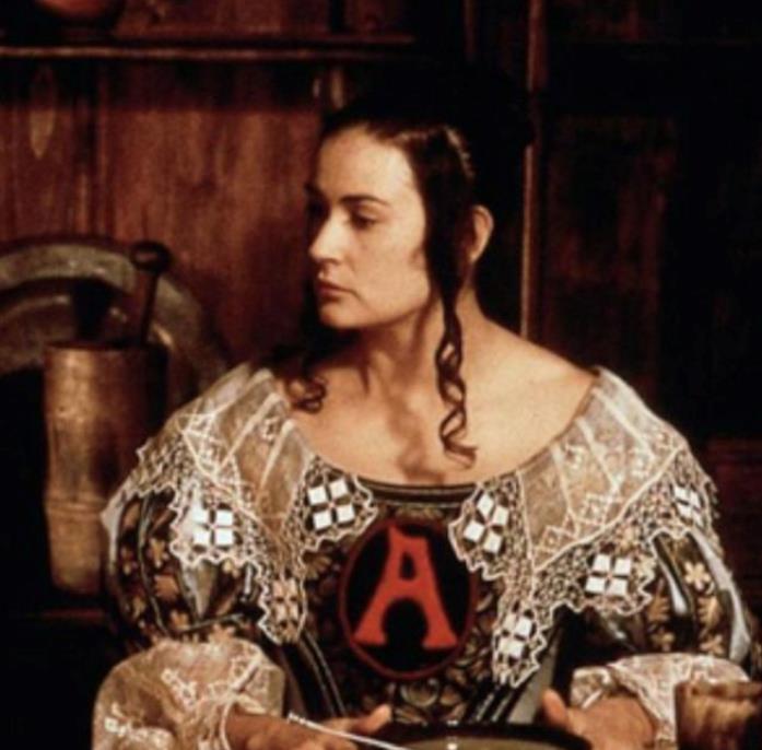 Hester Prynn in una scena de La lettera scarlatta
