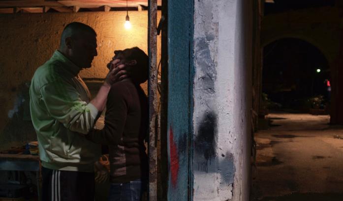 Edoardo Pesce e Marcello Fonte in una scena del film