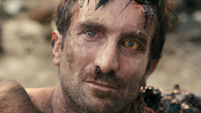 Sharlto Copley nel film District 9