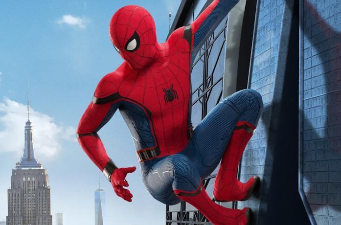 Spider-Man sulla torre degli Avengers in Spider-Man: Homecoming