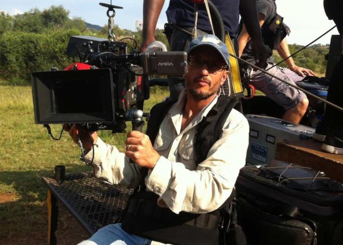 Carlos Carvalho mentre filma in Sudafrica