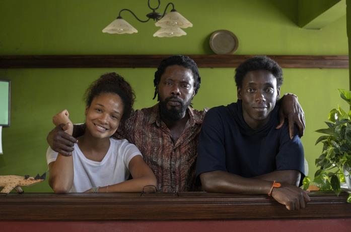 Zero: Awa, Omar e il padre