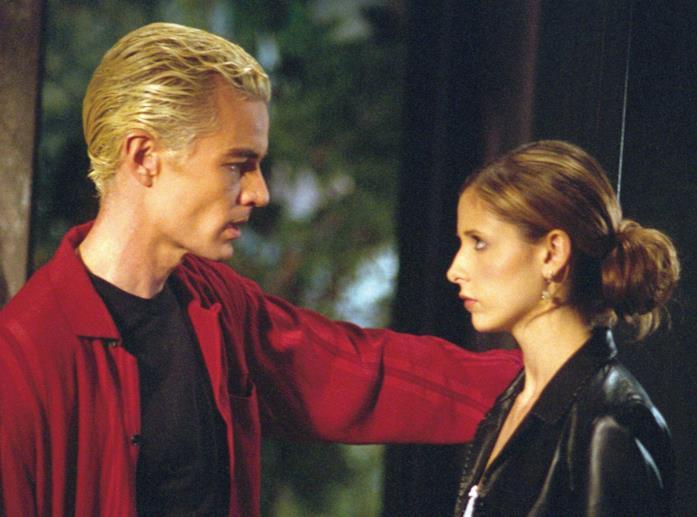 James Marsters e Sarah Michelle Gellar in una scena di Buffy the Vampire Slayer