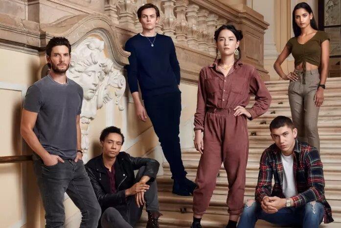 Il cast della serie Netflix Tenebre e Ossa