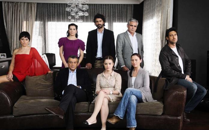 Kizim Nerede, il cast della serie con Özge Gürel