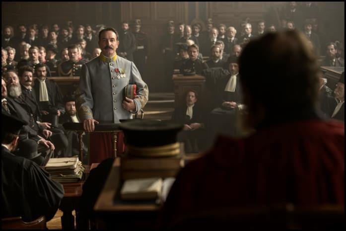 Una scena del processo Dreyfus in J'accuse