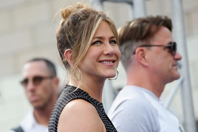 Jennifer Aniston sul blu carpet del Giffoni Film Fest