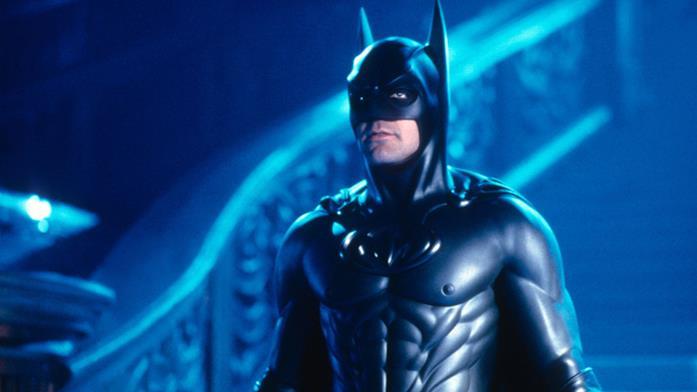 Un primo piano di George Clooney come Batman, in Batman & Robin