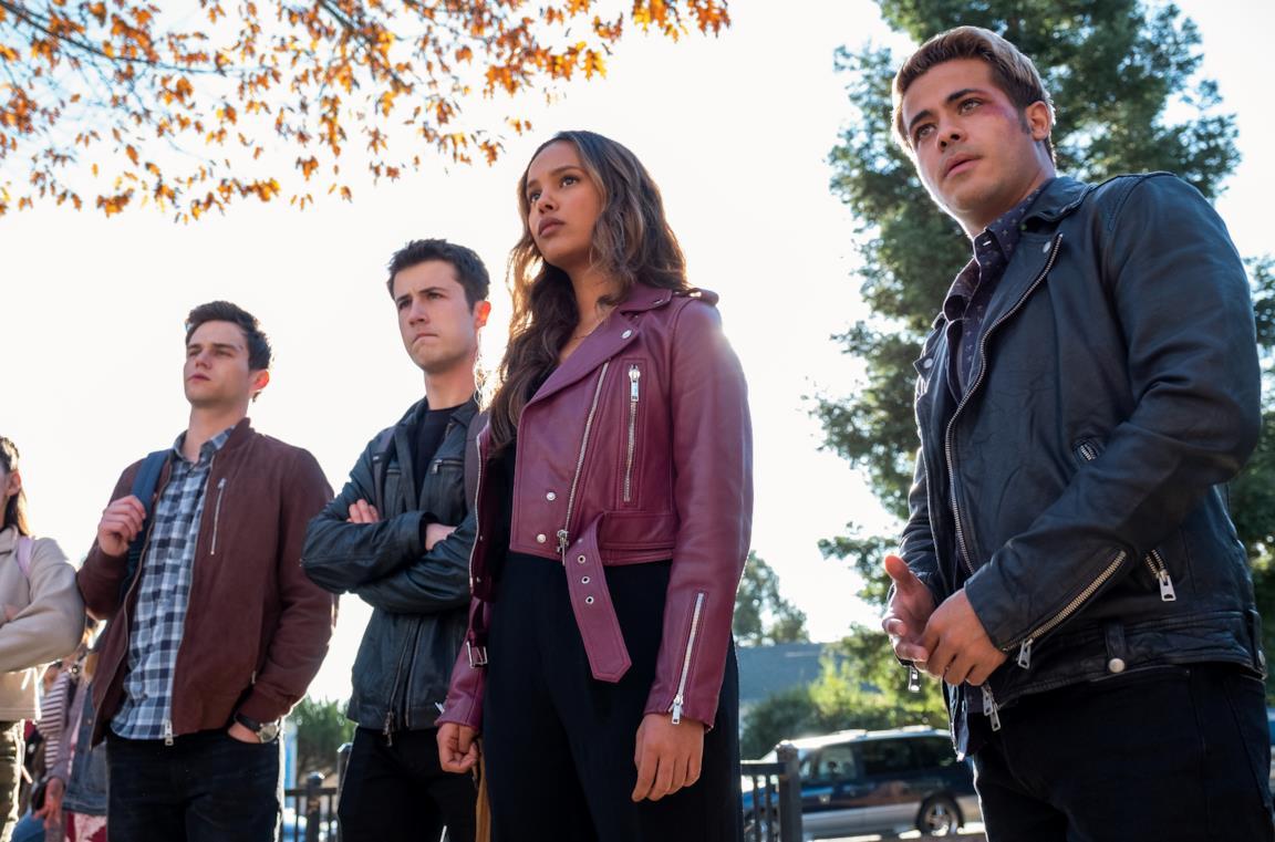Il cast di Tredici in una scena della quarta stagione