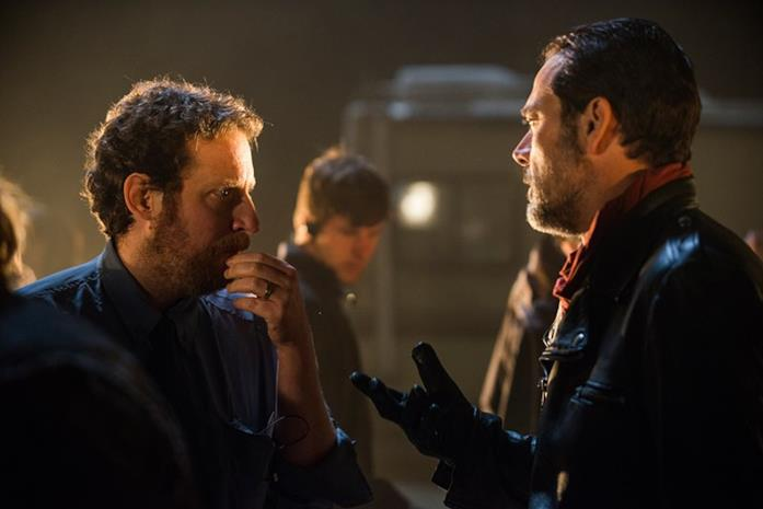 Scott Gimple e Negan sul set