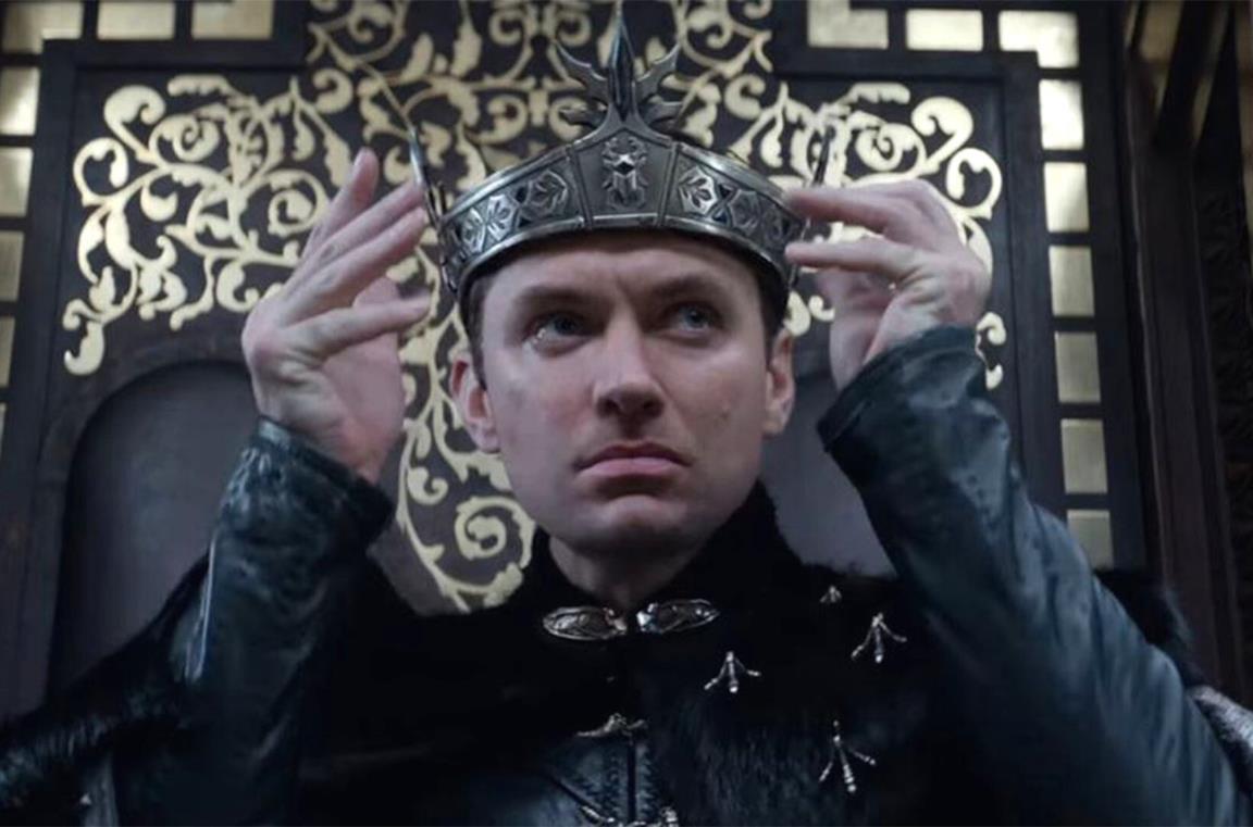 Merlin si appropria della corona