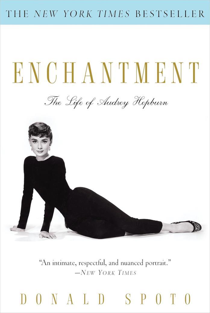 La copertina di Enchantment: The Life of Audrey Hepburn