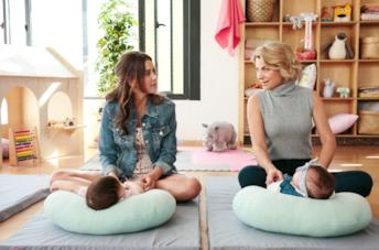 Paulina Goto e Ludwika Paleta in una scena della serie Di mamma ce n'è solo... due!