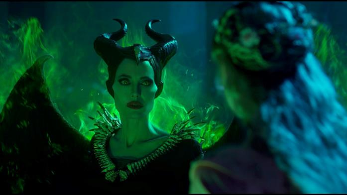 Elle Fanninf e Angelina Jolie in Maleficent 2