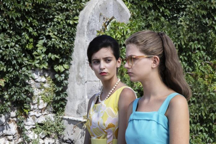 Lila e Elena, le due protagoniste in una scena da L'Amica Geniale 2