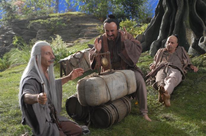 Aldo, Giovanni e Giacomo in una scena del film Il cosmo sul comò