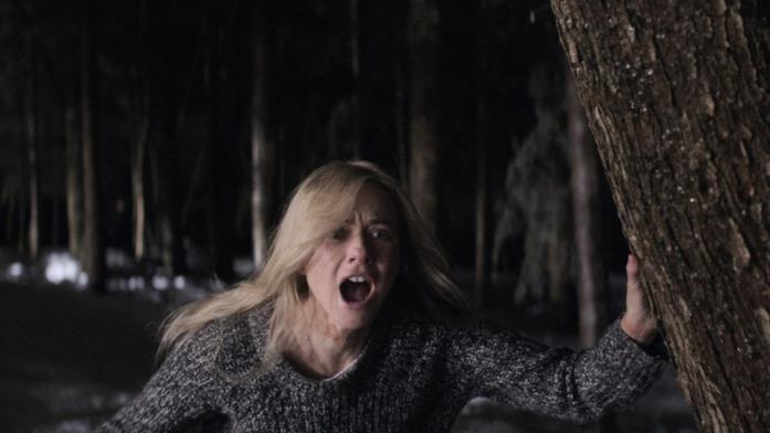 Mary scappa per i boschi dietro la propria casa