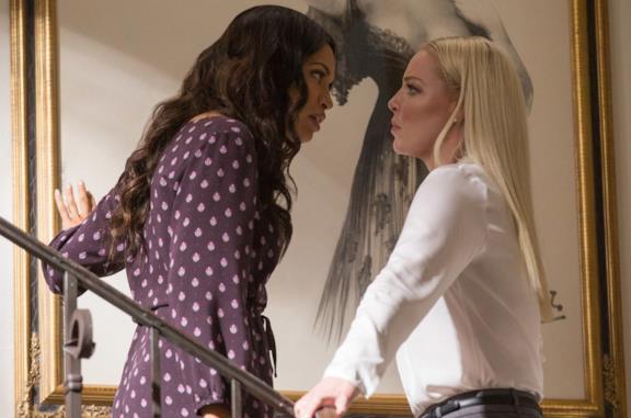 L'amore criminale, la trama e il finale del thriller con Rosario Dawson e Katherine Heigl