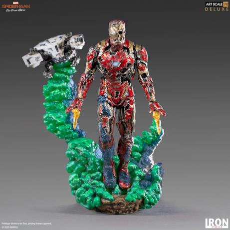 Iron Man zombie si erge dal fumo verde