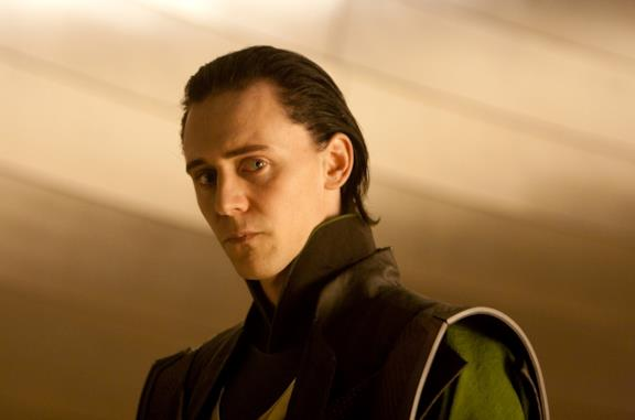 Tom Hiddleston interpreta Loki