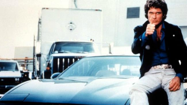David Hasselhoff è Michael Knight in una scena di Supercar