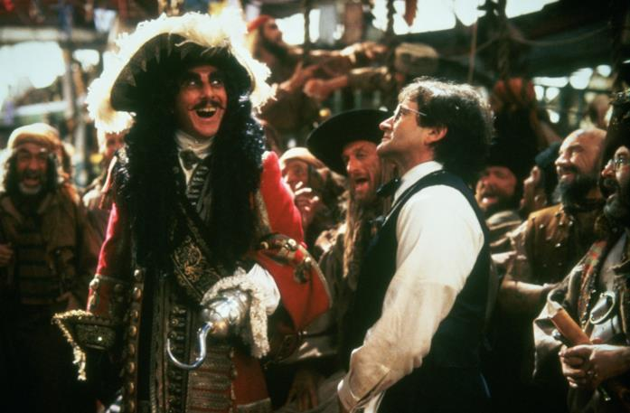 Faccia a faccia tra Capitan Uncino e Peter Pan in Hook