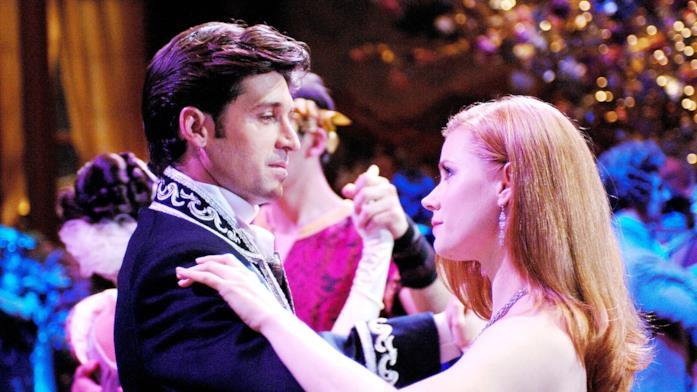 Patrick Dempsey e Amy Adams in una scena di Come d'Incanto