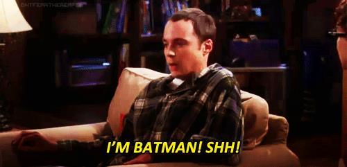 GIF con Sheldon che dice I'm Batman