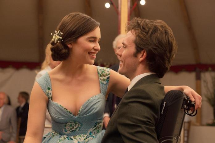 Sam Claflin e Emilia Clarke in Io Prima di Te