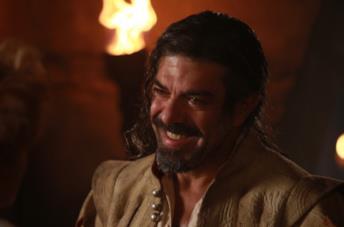 Pierfrancesco Favino nel ruolo di D'Artagnan