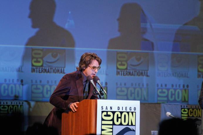 Robert Downey Jr. sul palco della presentazione di The Avengers