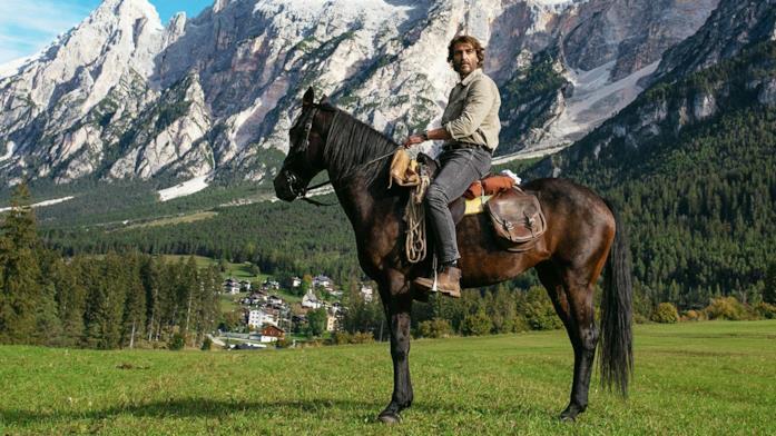 Francesco si ritira tra le Dolomiti Bellunesi dopo la morte di Emma