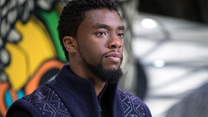 L'attore Chadwick Boseman sul set di Black Panther