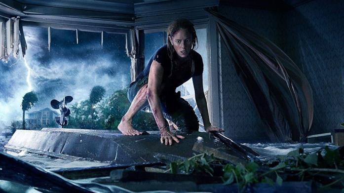 Kaya Scodelario in una scena del film Crawl - Intrappolati
