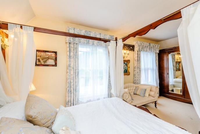 Ancora una stanza da letto
