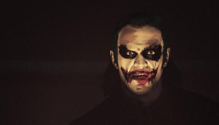 Un'immagine di Steven Ogg nei panni del Joker