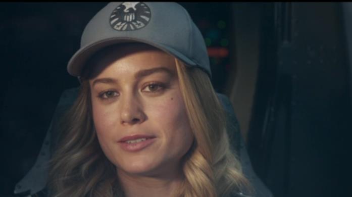 Carol Danvers con il cappellino da baseball