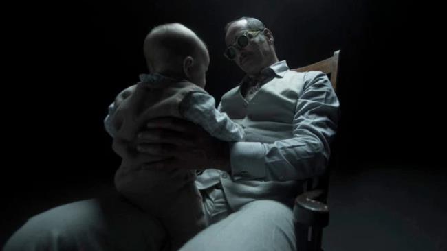Amahl Farouk e il piccolo David