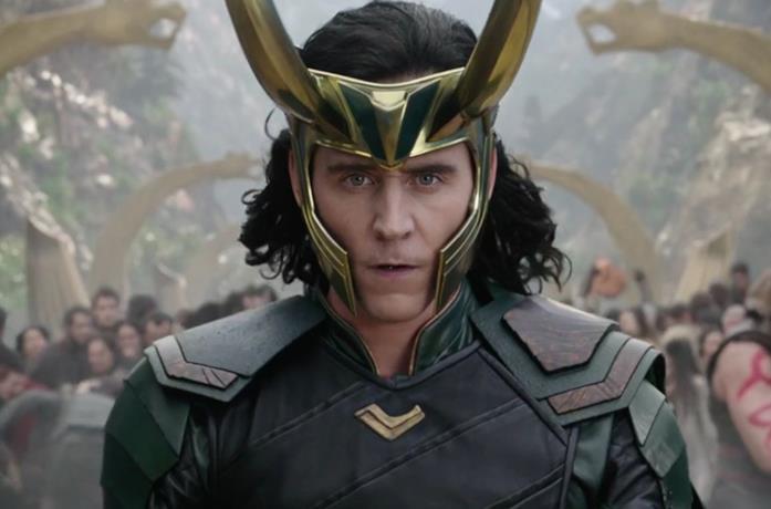 Loki in una scena tratta dalla saga cinematografica di Thor