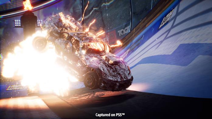 Auto in fiamme in uno screen di Destruction AllStars per PS5